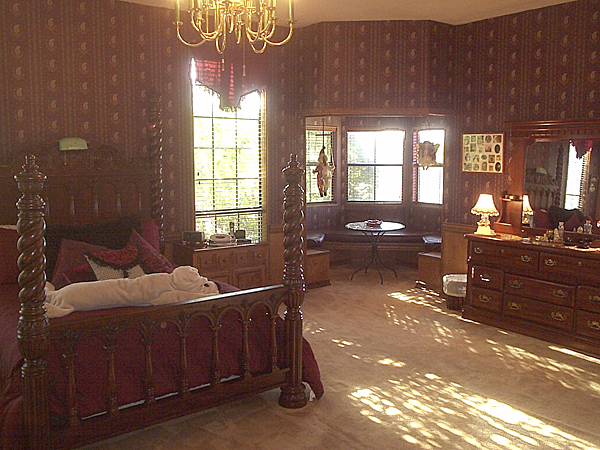 Cupid S Country Castle Wolfe City Tx Bed Breakfast Inn