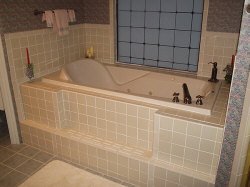 http://www.cupidscountrycastle.com/images/tub_small.jpg